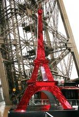 Tour Eiffel, maquette en plastique